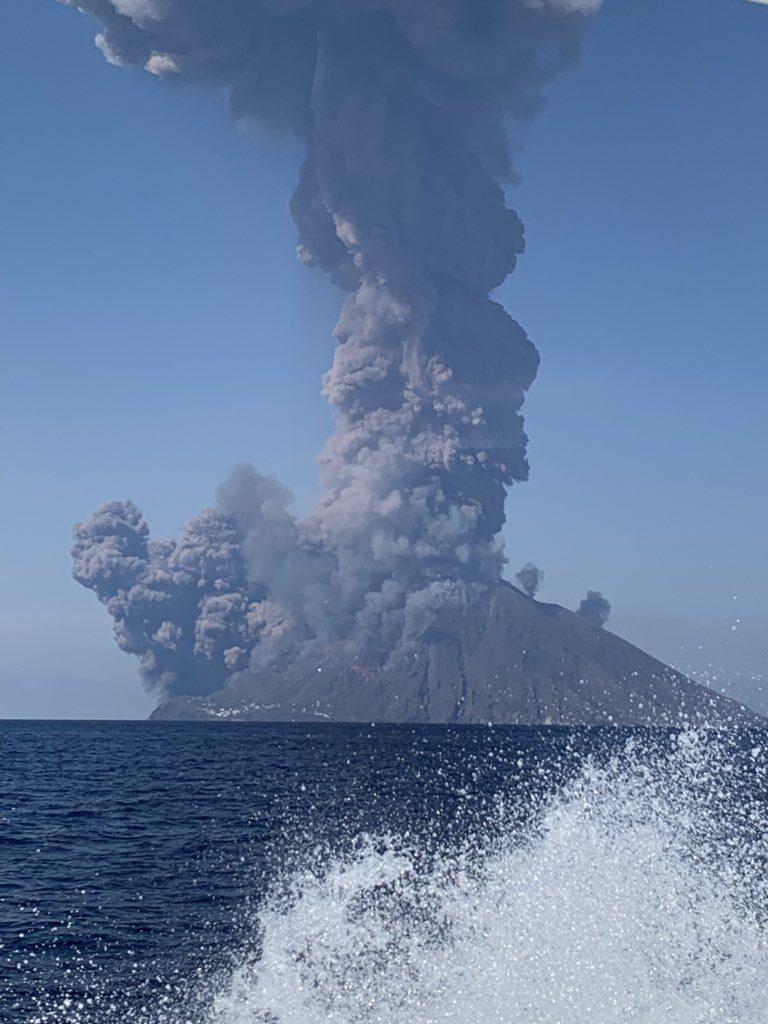 Resultado de imagen para stromboli erupcion